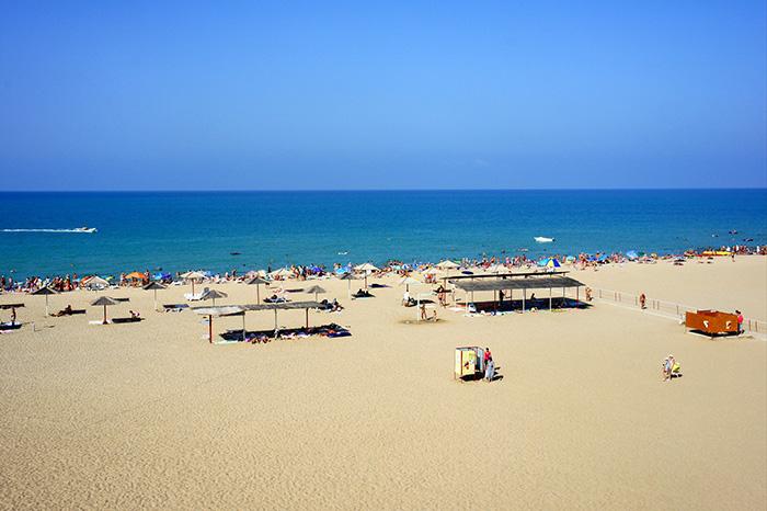 Где в Сочи песчаный пляж и чистое море? 96